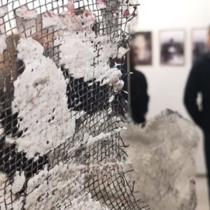 """Zdjęcie przedstawia prace w ramach wystawy zbiorowej """"Bez powodu"""""""