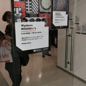 """Zdjęcie przedstawia prace w ramach wystawy zbiorowej """"MOZAIKA/2"""""""