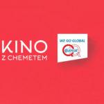 """Grafika z napisem """"Kino z Chemetem"""" oraz logotypem firmy na czerwonym tle"""