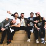 Zdjęcie przedstawia zespół muzyczny