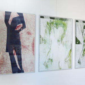 zdjęcie obrazów z wystawy ZSAP